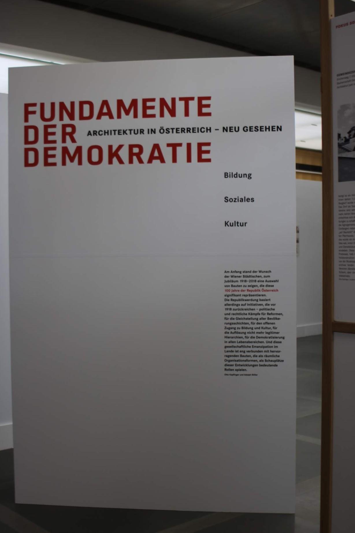 Eine spannende Ausstellung im Wiener Ringturm: Fundamente der Demokratie